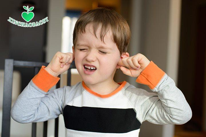 Rối loạn tic ảnh hưởng đến cuộc sống của trẻ như thế nào?